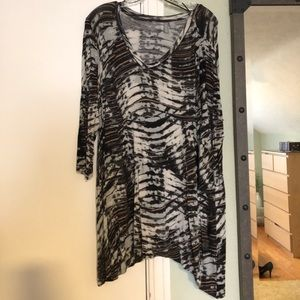 Gray, black and mustard abstract design tunic